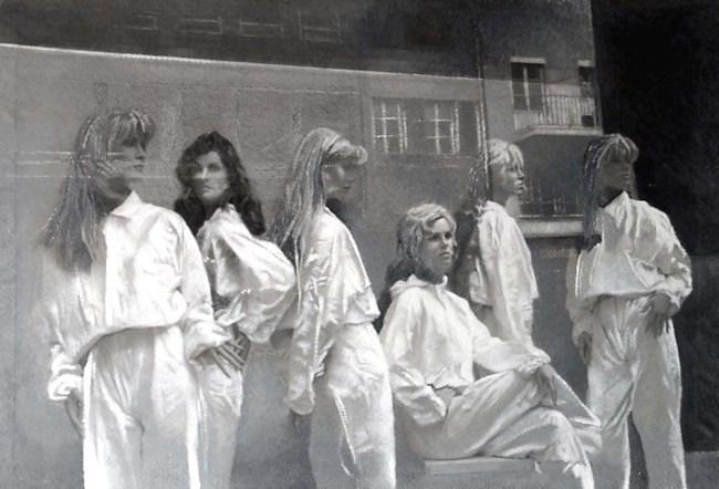Still Life : Shop Windows 71, 2002, photo, oil on canvas, 100x150 cm